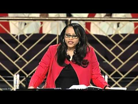 """""""Who Are You Serving: God or Debt?"""" Michelle Singletary (Powerful Message)"""