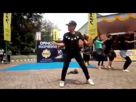 DANCE DOUGIE SWAG SIANTAR