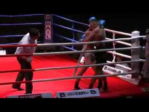 Noc Bojovníků 2008 - Thaibox - Zápas o mistra ČR v thaiském boxu - 1. část