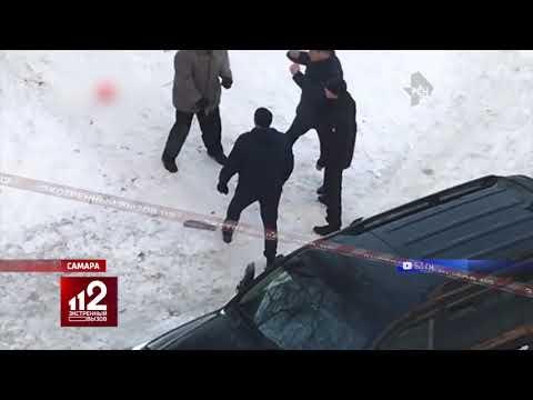 Прохожие расстреляли набросившуюся на девушку стаю собак. Видео!