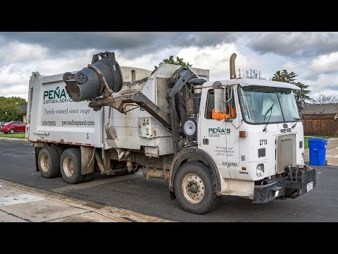 Autocar Xpeditor WX64 - Heil DuraPack 7000 Garbage Truck