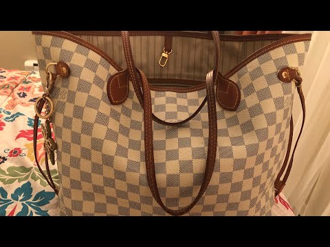 What's In My Bag? 2019   Louis Vuitton Neverfull MM   Damier Azur