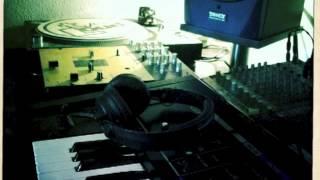 Freeway Feat. Peedi Crakk / Flipside Beatgrinderz Remix