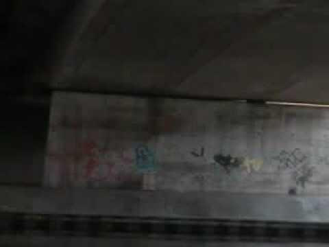 Lawinepijl in koelkast+75liter benzine onder brug