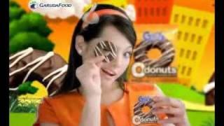 Download Video Magdalena Popular makan Sexy Gery O Donut MP3 3GP MP4