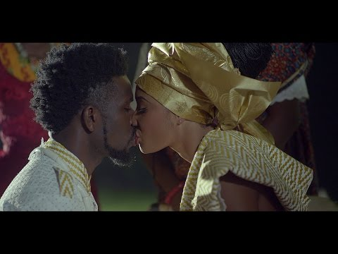 Bisa Kdei - Samina Ft Obrafour (Official Video)