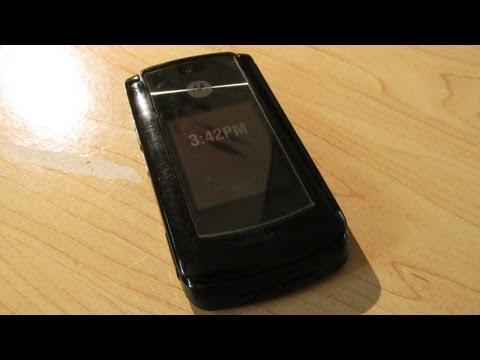 Unboxing: Motorola RAZR2 V9x