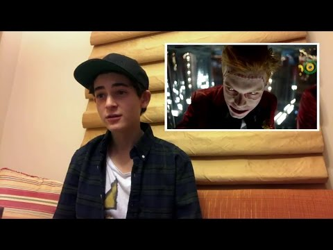 David Mazouz Reacts To The Jerome White Band Trailer | Season 3 | GOTHAM
