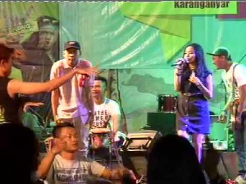 Bojo Galak Voc. Ajeng - AREVA MUSIC HOREEE LIVE THR SRIWEDARI 9 Agustus