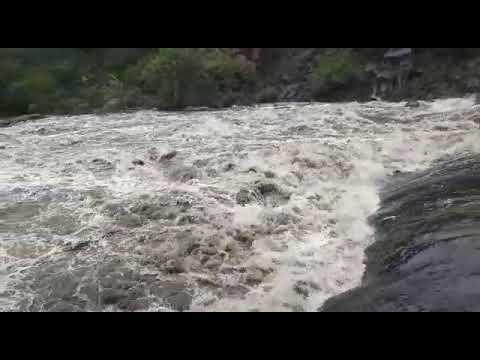 Creciente río Anisacate en La Paisanita