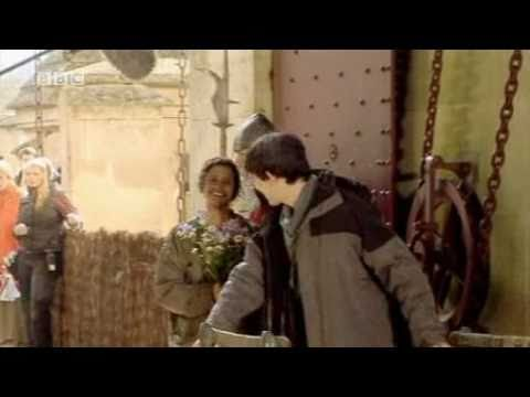 Angel Coulby - Merlin Behind The Scenes - 1x03