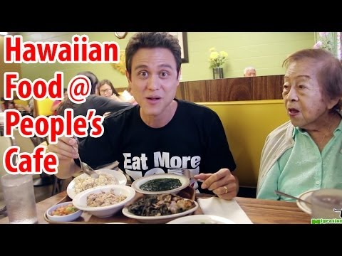 Hawaiian Food at People's Cafe in Honolulu (Guest Appearance with Grandma)