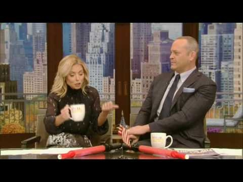 Live With Kelly 11/02/2016 co-host Vince Vaughn;Donnie Wahlberg ; Lauren Cohan