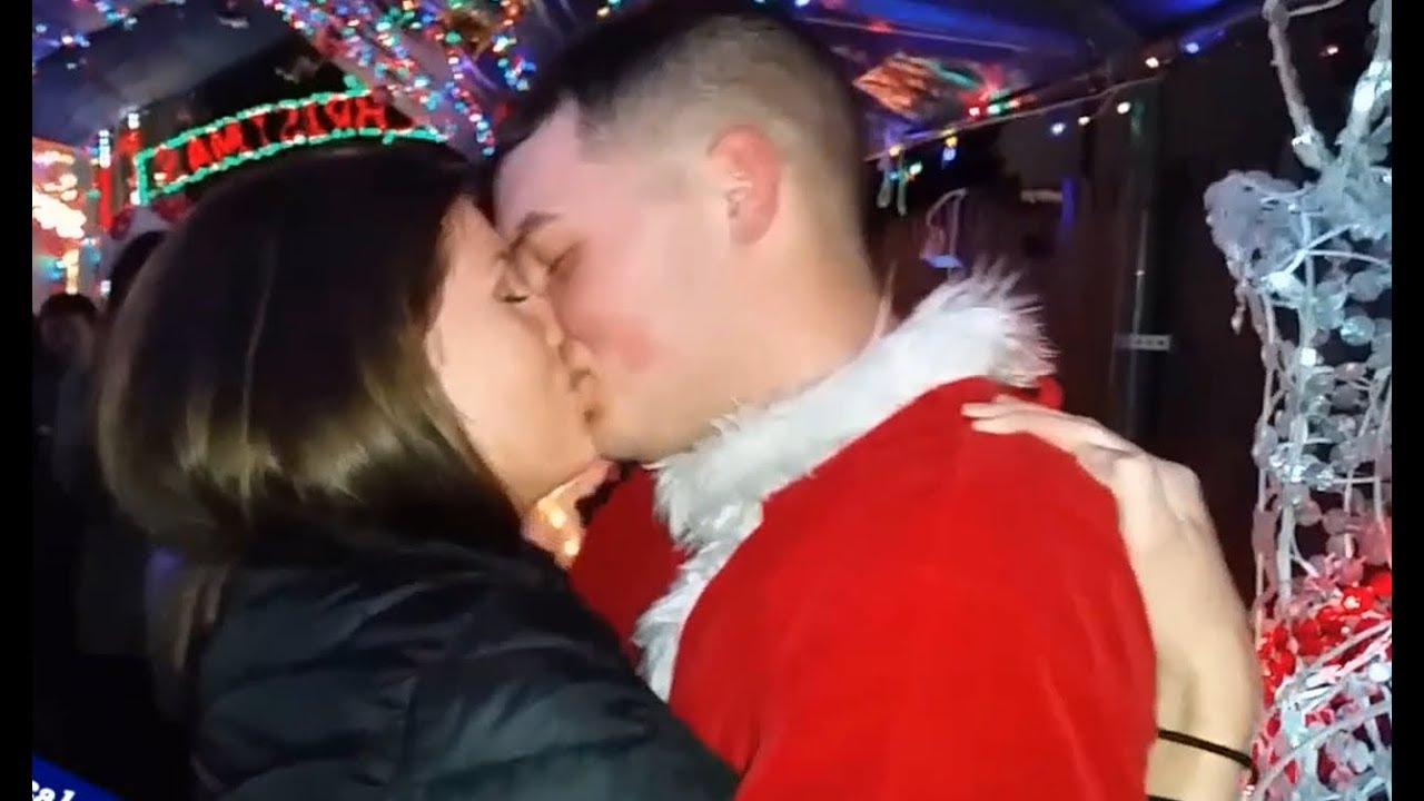 Coming Home #6 Army Soldier Surprises Girlfriend With ChristmasNoel Visit
