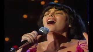 Mireille Mathieu - La Vie En Rose & Schau mich bitte nicht so an 1982