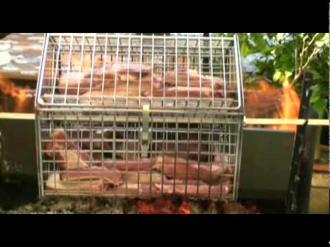 Griglia girevole per barbecue a legna youtube for Griglia per barbecue bricoman