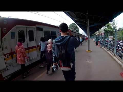 NAIK COMMUTER JAKARTA-BOGOR DI JAM BERANGKAT KERJA