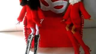 видео обзор на одежду и обувь для кукол Монстер Хай,так же на диван для кукол