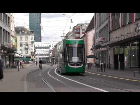 Tram Basel   van de DB station naar de Messe