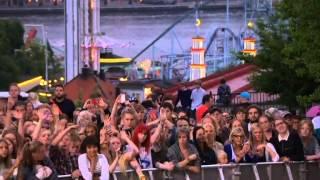 Gambar cover Håkan hellström feat Helen sjöholm - Du är snart där Live Allsång på Skansen