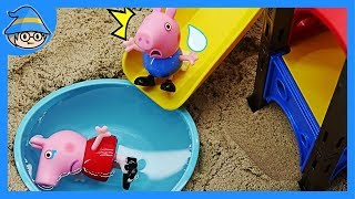 Peppa pig playing at the playground. And sliding into the water. | Shim
