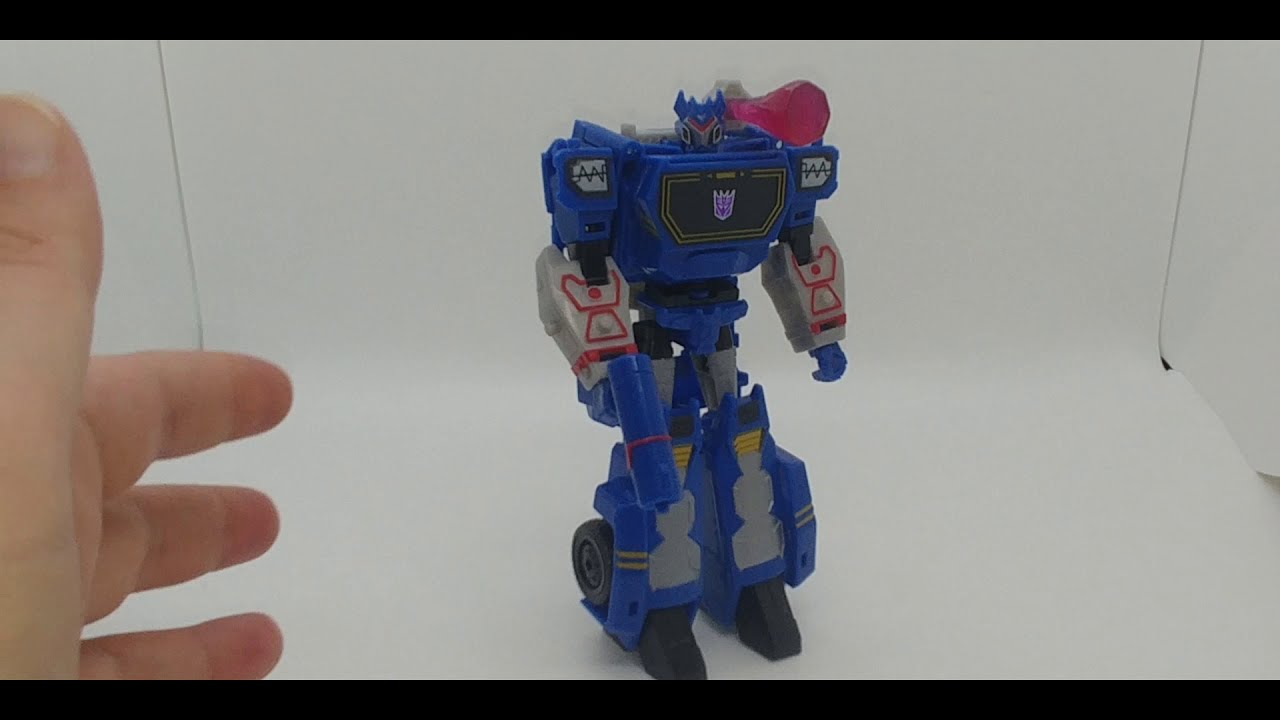 Chuck's Reviews Transformers Cyberverse Deluxe Class Soundwave