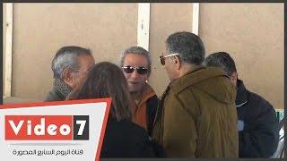 بالفيديو..أشرف زكى وسيد رجب وصبرى فواز أول الحاضرين لجنازة الناقدة نهاد صليحة