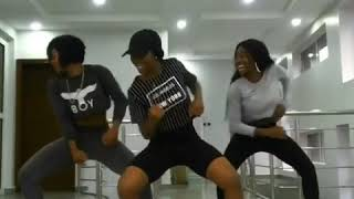 Signature dance moves of popular Nigerian artists 🇳🇬
