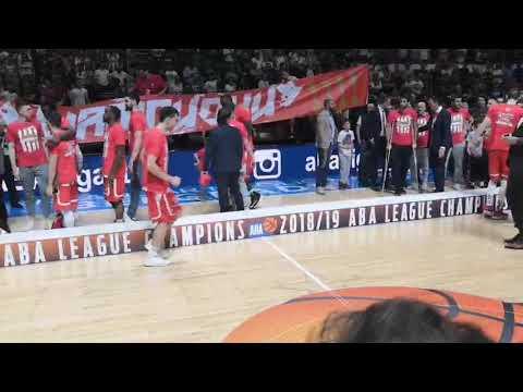 Čović peva, Stratos na štakama