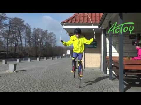 Video: Actoy Stilts