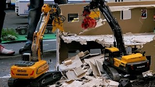 RC DEMOLITION CONSTRUCTION SITE WITH RC CONSTRUCTION MACHINERY / Erlebniswelt Modellbau Erfurt 2016