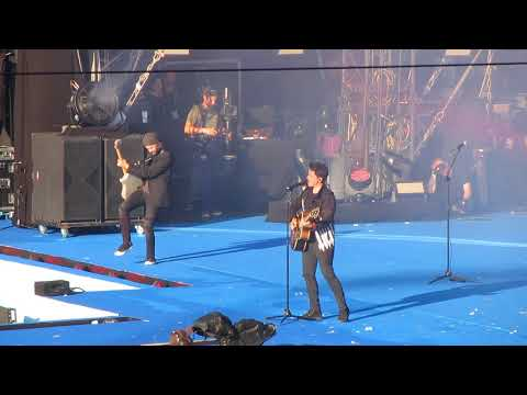Michael Patrick Kelly - Shake Away (NRj Air 2.9.2017 Stade de Suisse Bern)