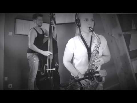 Heartbreak Hotel - Elvis Cover by VoBaTiJa [Double Bass & Vocal] Live + Sax Solo