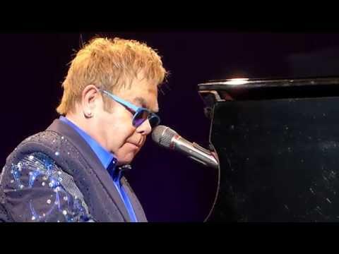 Elton John - Circle of life / Can you feel the love tonight (Concert Live Full HD) Lyon France 2014