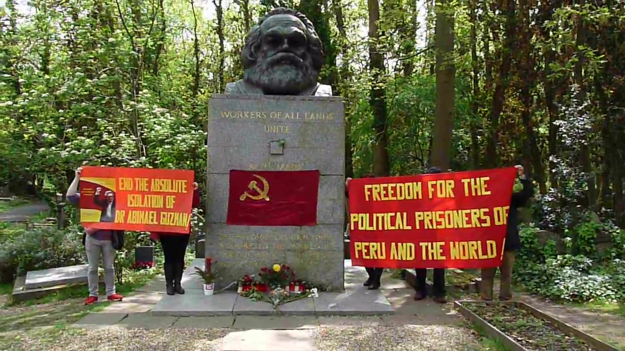 """Résultat de recherche d'images pour """"tombe de Karl Marx"""""""