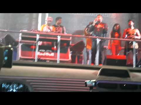 Badshah aastha gill in thapar university patiala - YouTube