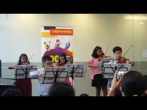 Violin performance by : William Teo&Friends