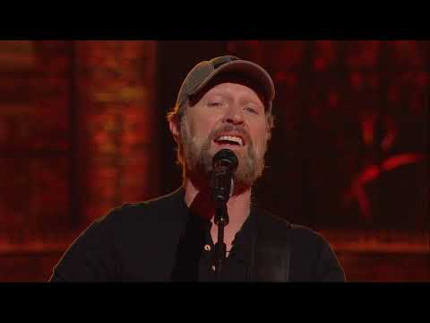 """Craig Morgan Performs """"That's What I Love About Sunday"""" 