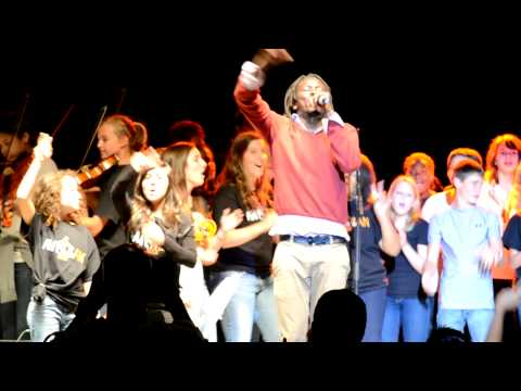 Emmanuel Jal with D1st!nct Dance Crew Clips from Any1Can Benefits concert