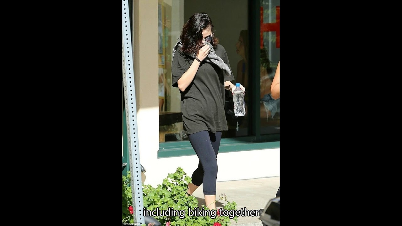 Thick squirt selena gomez flashes in public