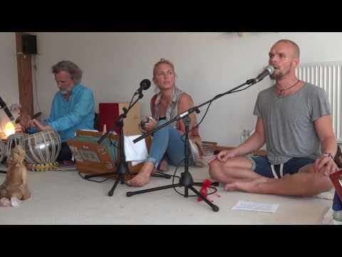 Govindam adi purusham 06.2017 heidelberg kirtan project