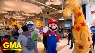 Toys 'R' Us makes a comeback | GMA