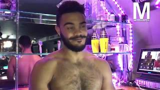 How to Pick Up a Boxers Bartender