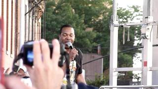 Q-Tip and Busta Rhymes - Look At Me Now (HD) - Live at the Brooklyn Hip-Hop Festival 7/16/11