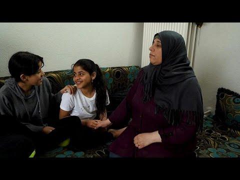 فيديو: عائلات سورية لاجئة في الدنمارك مهددة بالطرد إلى بلادها…  - نشر قبل 2 ساعة