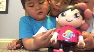 Matt's playtime Toys review.  Ryan's Wold blind Bag from Ryan's Toyreview