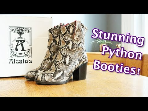 Stunning Women's Python Boots from Alcalas Boutique!