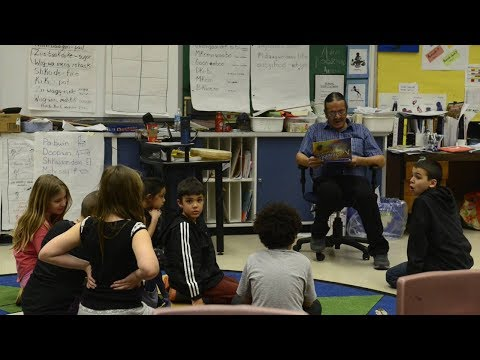 Canada 150: In class with kids learning a First Nations lang