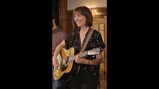 YouTube動画:MOLLY TUTTLE - IN CONCERT - with Joe K. Walsh & John Mailander