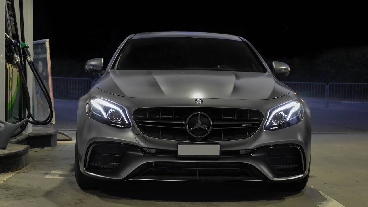 New mercedes benz e63s amg start up lovely revs youtube for Mercedes benz e63s amg